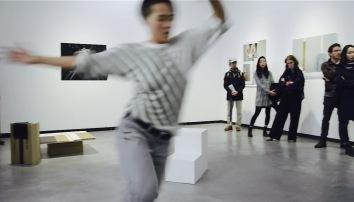 Winnie Ho's performance at Chih-Chien Wang's work Under Two Lights at Künstlerhaus Bethanien in Berlin 2016
